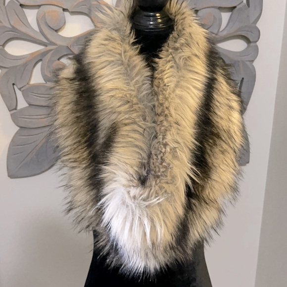 Michael Kors faux fur collar